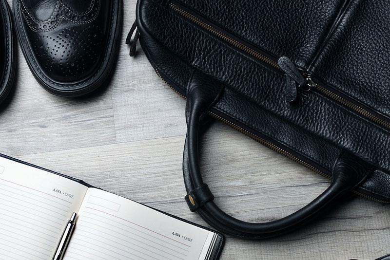 【ビジネスバッグ30選】ビジネスマンに相応しい人気ブランド30選&正しい選び方を徹底紹介